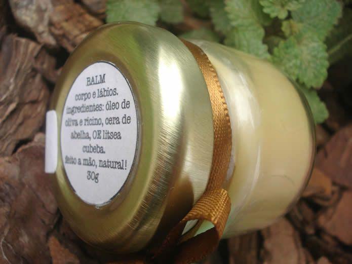 Balm Corpo e Lábios:  Ótimo para ser usado como protetor de lábios ou em áreas ressecadas do corpo. Ingredientes: Óleo de oliva e rícino, cera de abelha orgânica e óleo essencial de litsea cubeba. Preço: R$20.00