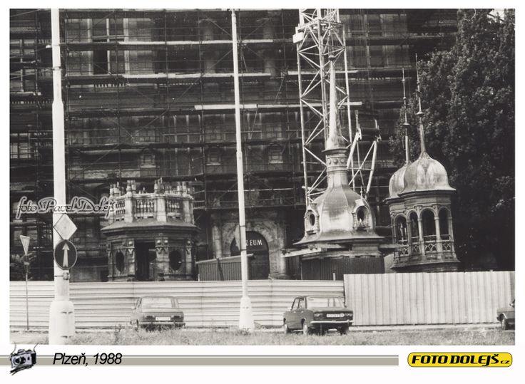 1988 Plzeň, Muzeum bude mít novou střechu. Foto Pavel Dolejš.