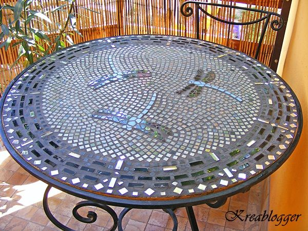 Mosaic table with a dragonfly pattern  http://szinesotletek.hu/akrilmozaikok