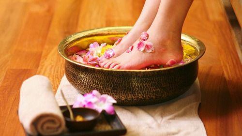 Как избавиться от запаха в обуви: народные и современные способы — Полезные советы