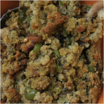 Paleo Cornbread Stuffing • Paleo Movement Magazine