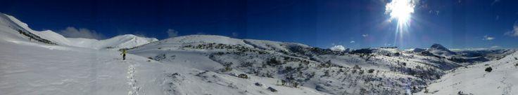 panorámica con raquetas de nieve por puerto Somiedo @Turismo Asturias