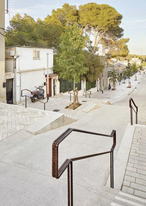 ACCESSIBILITE Rue/Place réhabilitation urbaine à Rovira, Barcelone