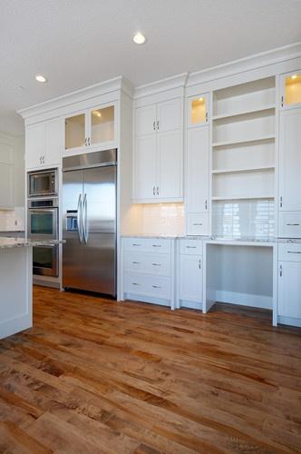 Bright & Crisp Kitchen contemporary kitchen