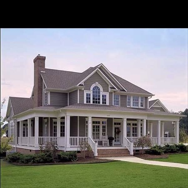 1000 images about awesome houses on pinterest queen for Ranch home with wrap around porch