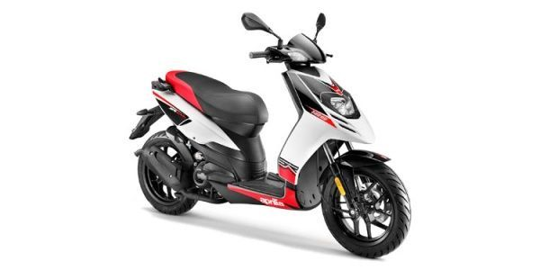Aprilia Sr 150 Scooter Of The Year 2017 Is Best Under 150cc
