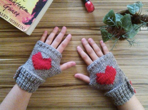 Valentine's Day Gift /Heart Mittens / Autumn-Winter by Iamamother