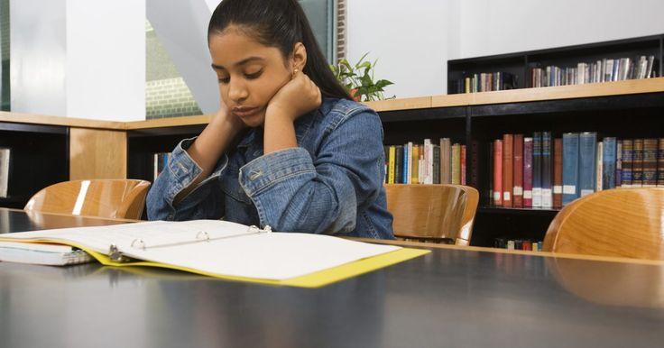 Jogos de leitura e ortografia para alunos do ensino fundamental. Aulas de ortografia para alunos do ensino fundamental I podem se tornar monótonas. Os professores geralmente se baseiam em técnicas tradicionais, como escrever palavras e usá-las em frases. Aulas de leitura focam em estratégias para aumentar a compreensão: normalmente, os alunos leem histórias e respondem a perguntas. Esses métodos são mais ...