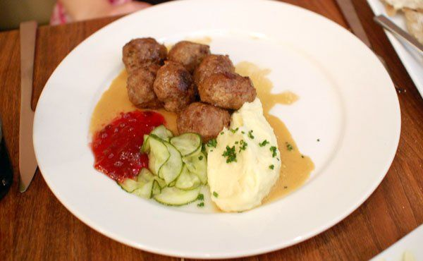Swedish #Meatballs lingonberries, cream sauce, mashed #potatoes from ...