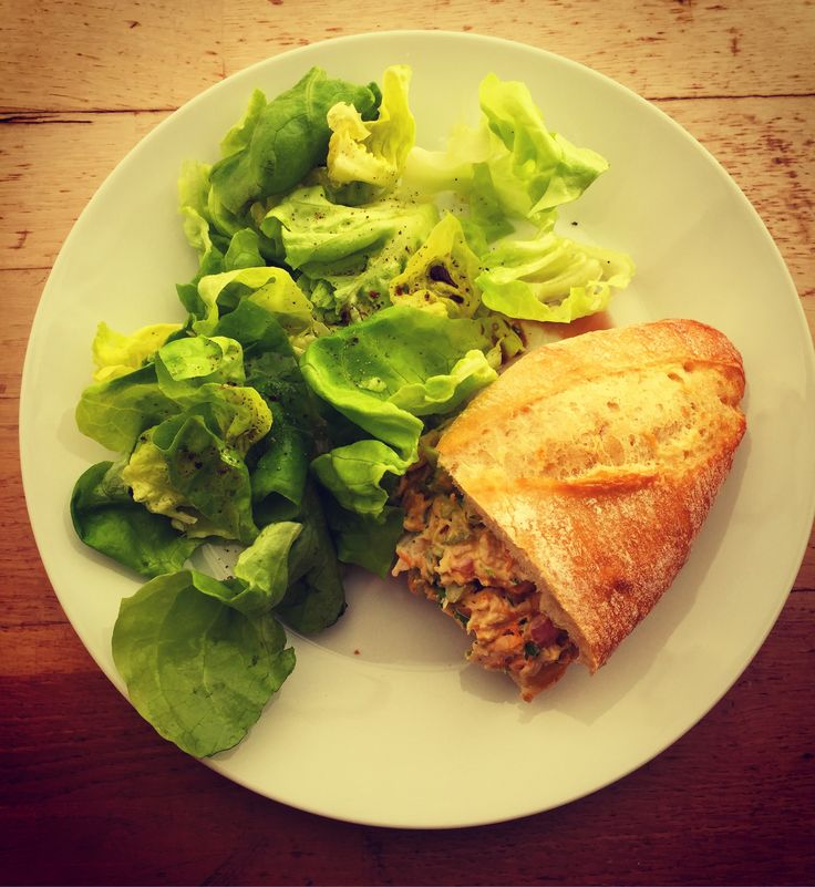 If you're pressed for time and have some cooked chicken on hand, this chicken salad (sandwich) is a summery favourite and easy to whip up and customise!