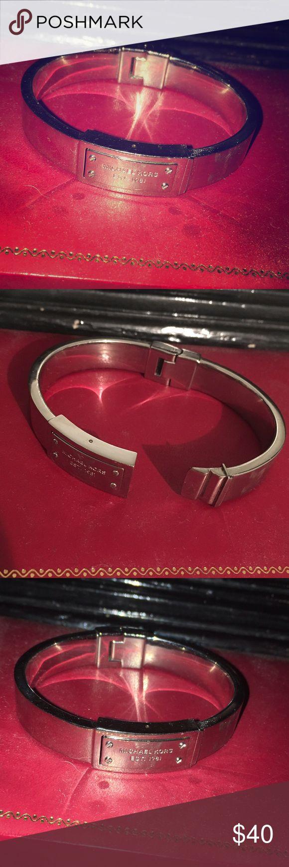 Michael Kors silver bracelet Michael Kors silver bracelet Michael Kors Jewelry Bracelets