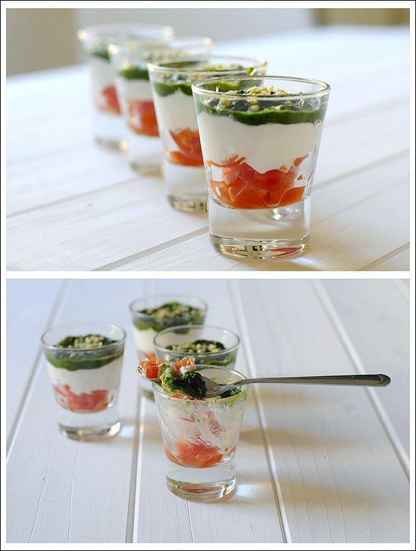 tartarine pomodorini burrata con noci e salsa al basilico