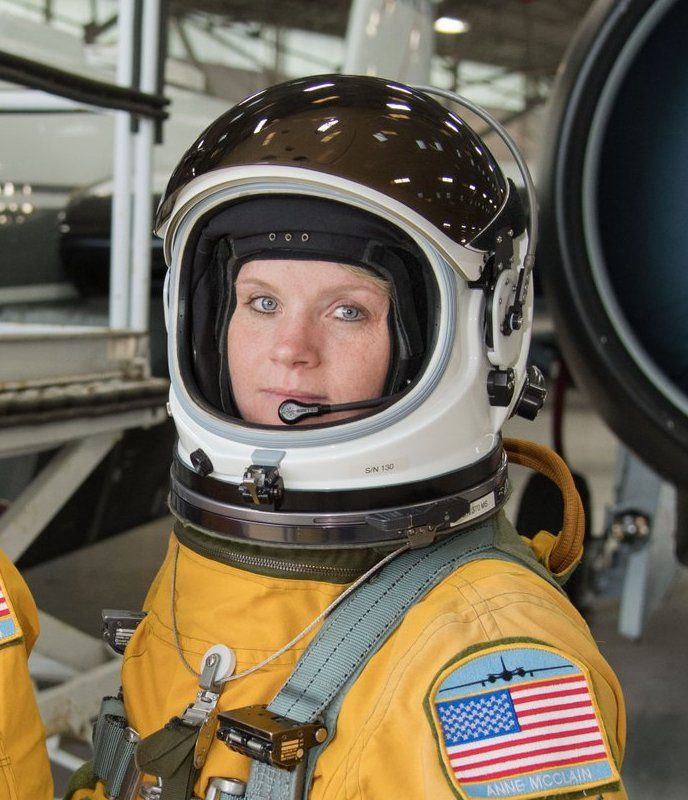 137 best Women in spacesuits/pressuresuits images on ...