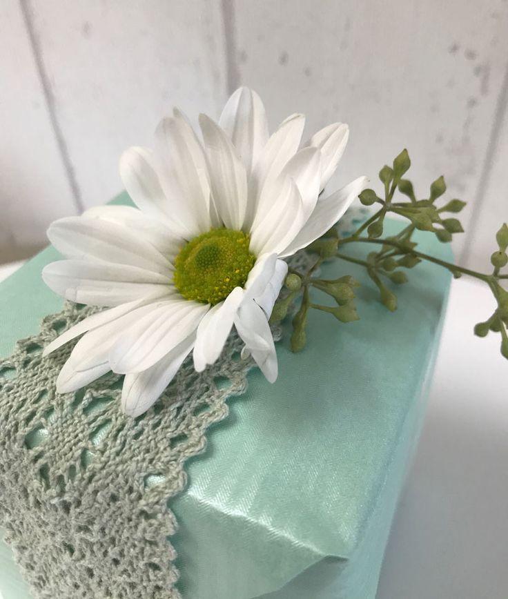 Sanfte Töne und frische Blumen