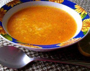 Todo se arregla con un reconfortante plato de sopa aguada de pasta: Una buena sopa aguada es un primer plato muy común en la mesa mexicana.