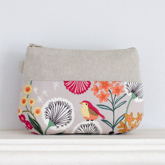 Bird and flowers cotton & linen make up bag // zipper pouch // cosmetic storage