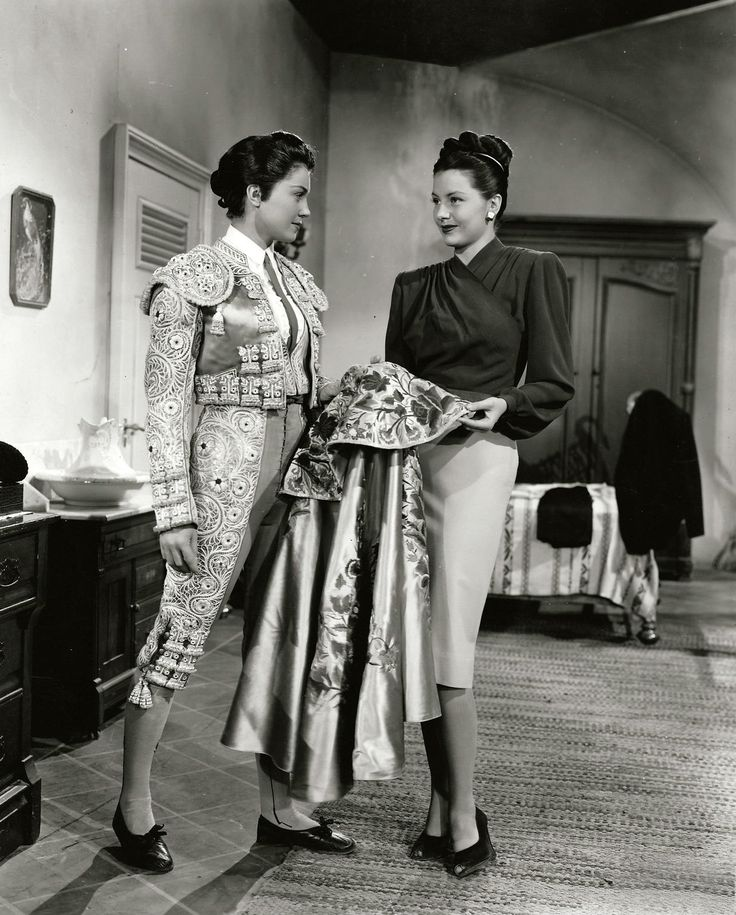 Esther Williams & Cyd Charisse 1947