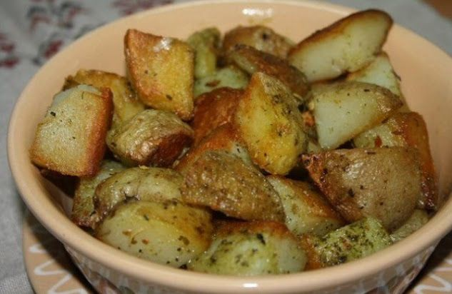 КАРТОШКА, ЗАПЕЧЕННАЯ В ЧЕСНОЧНОМ МАСЛЕ Ингредиенты на 5 картошек: - Масло…