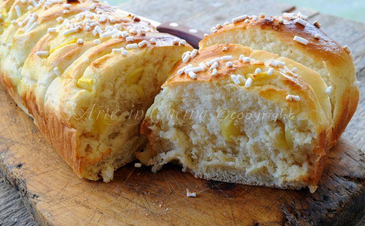 Pan brioche alle mele sofficissimo, ricetta facile, dolce alle mele, dolce per colazione, merenda, congelabile, pan brioche lievitato, dolce morbido, dolce farcito