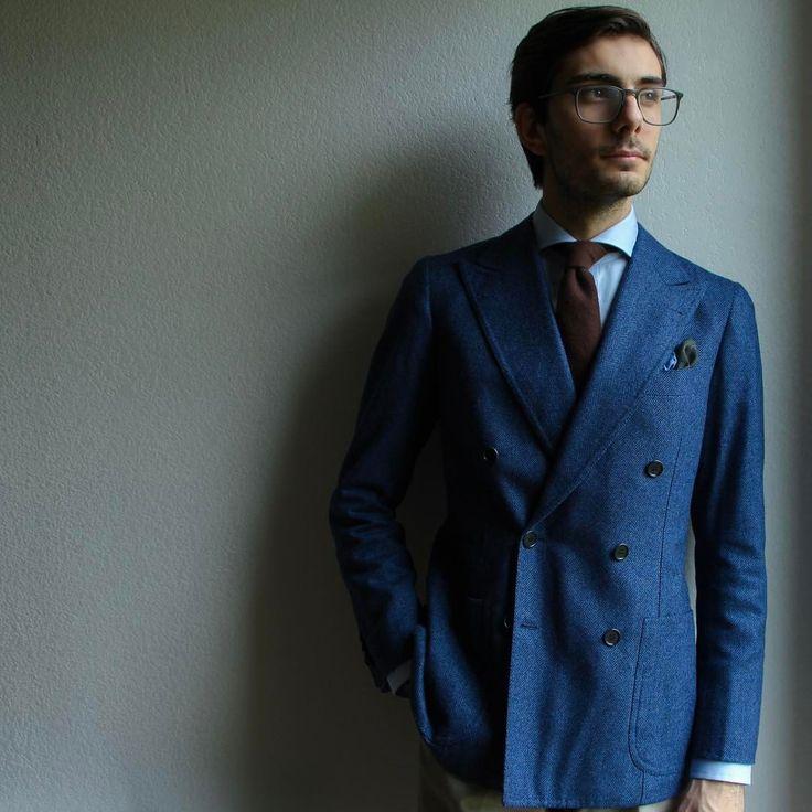 Double breasted jacket by @sartoriaciardi through @zampa_di_gallina a true neapolitan style. #style #fashion #picoftheday #beautiful #amazing #ootd #stylish #handmade #look #outfit #napoli #jacket #menswear #gentleman #sartorial