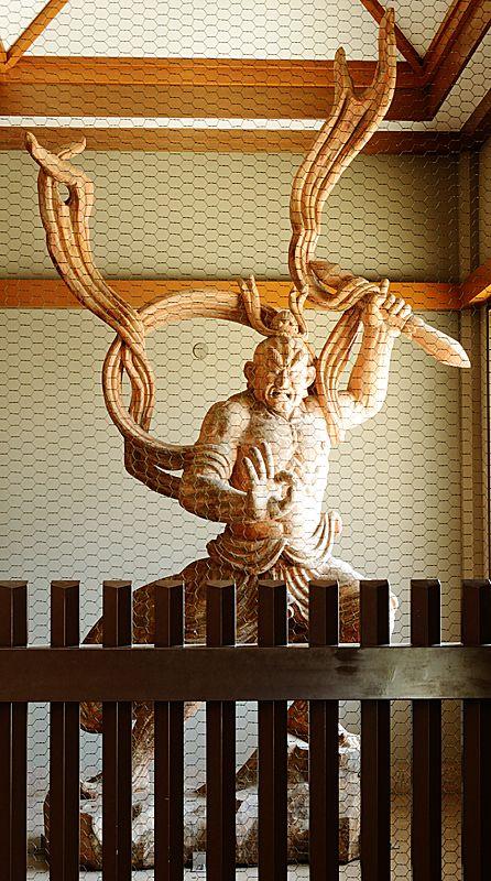 阿形(あぎょう)で那羅延金剛(ならえんこんごう)仁王像