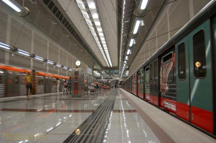 Афины: две станции метро закрыты из-за анонимных угроз о бомбах http://feedproxy.google.com/~r/russianathens/~3/KKJ7Rxo7H7g/20881-afiny-dve-stantsii-metro-zakryty-iz-za-anonimnykh-ugroz-o-bombakh.html  Полиция закрыла и эвакуировала людей с двух станций метро в Афинах в четверг после двух анонимных угроз о взрывах.