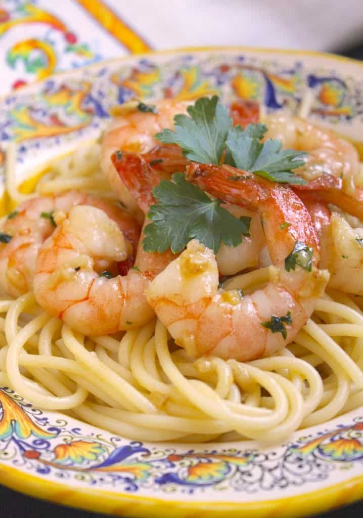 Simple Garlic & Butter Shrimp with Spaghetti (Shrimp Scampi) – Christina's C…