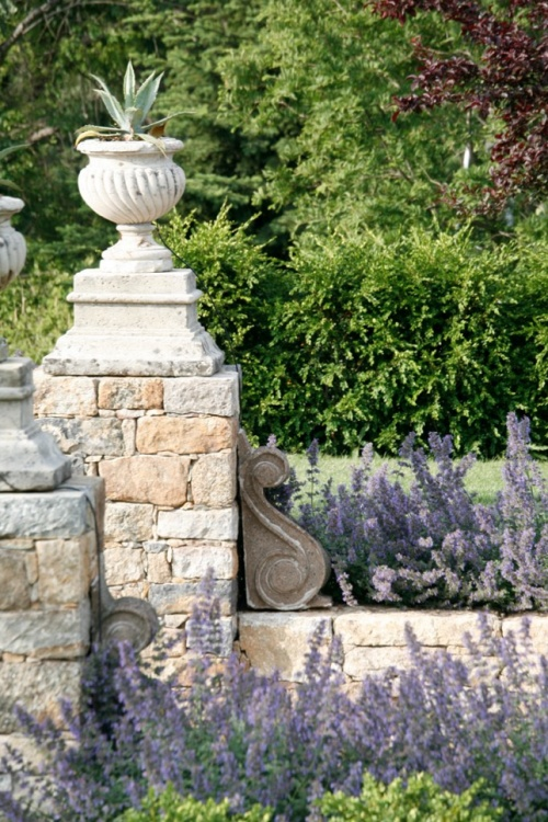 1000 images about planters and urns on pinterest - Using stone in rustic gardens elegance and drama ...