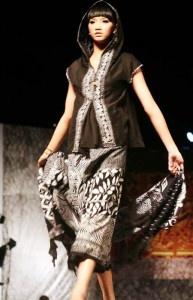 Modern Batik Fashion 2012