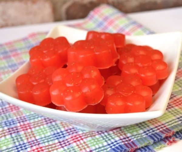 Paleo Sour Strawberry Gummies. Made with just 3 ingredients, and 2 of them are fruit.