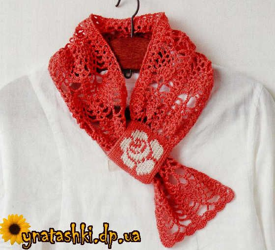 Openwork scarf with a rose
