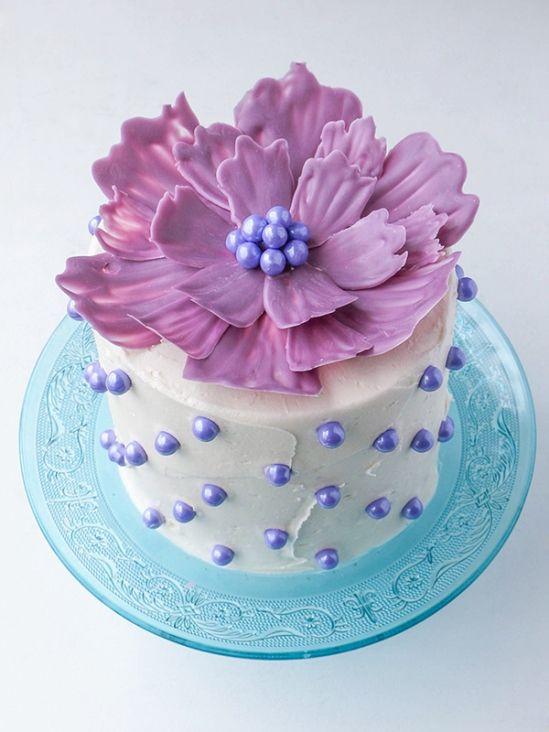 Шоколадные цветы для украшения торта своими руками