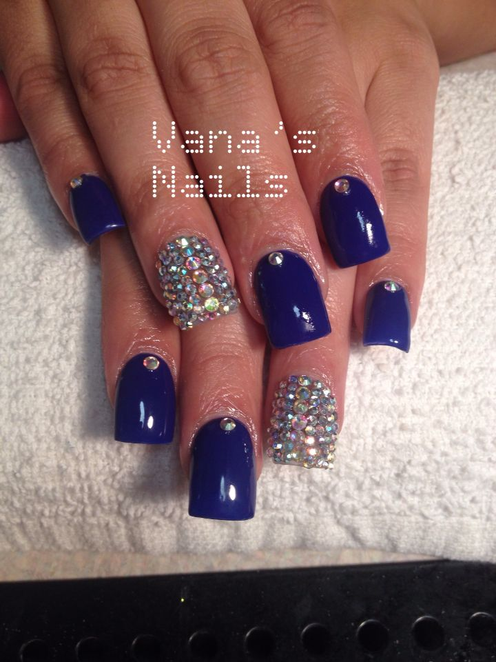 Royal blue acrylic nails, bling nails, uñas acrílicas azul rey