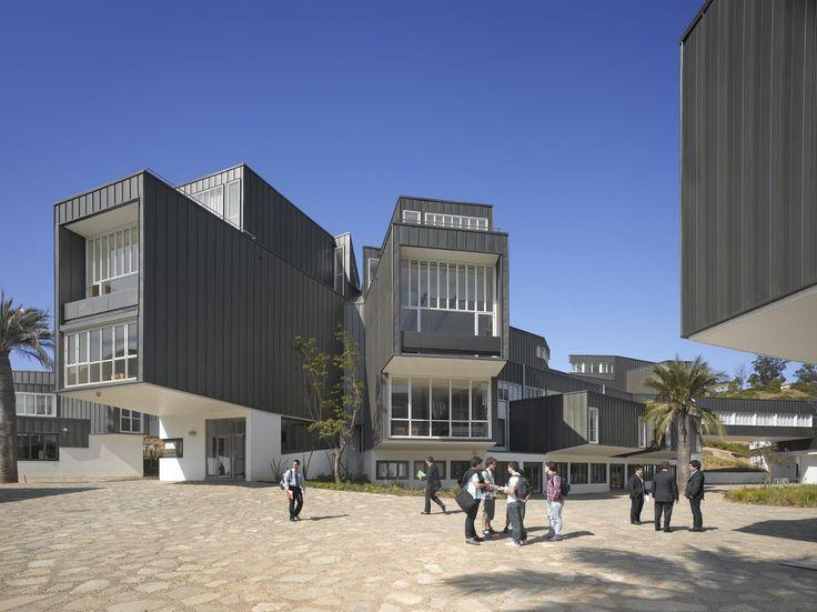 Arquitectura del Campus Universidad Adolfo Ibañez / José Cruz Ovalle y Asociados