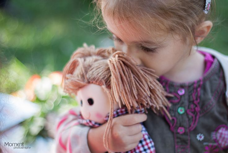 Moment Photography - Family ;little girl with doll