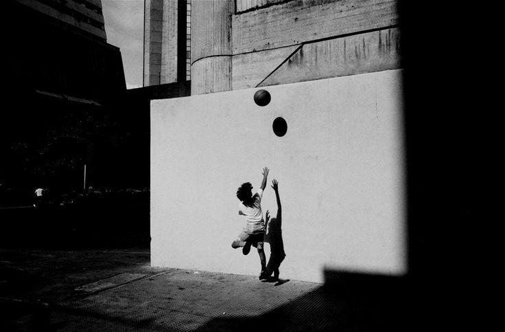 Art + Commerce - Artists - Photographers - Vincent van de Wijngaard - Journeys