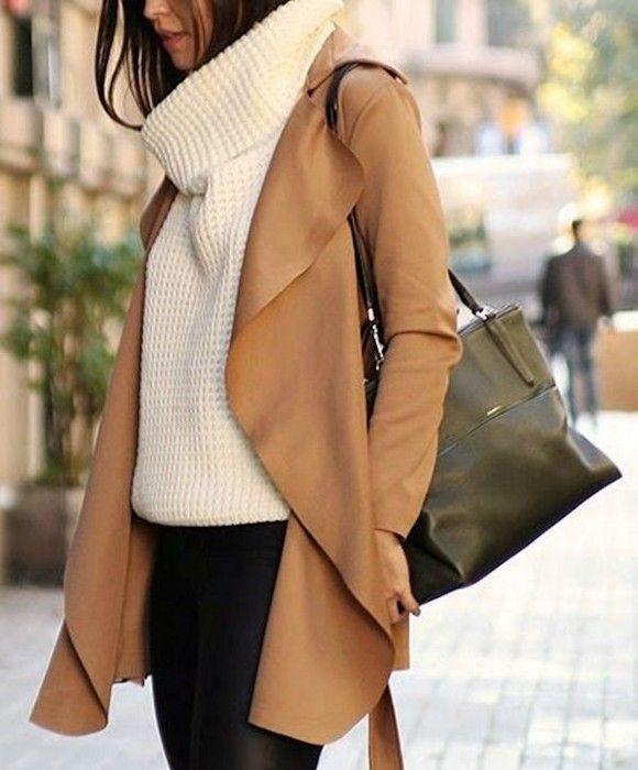Pull blanc col roulé en grosse maille + manteau camel fluide + pantalon  noir \u003d le bon look