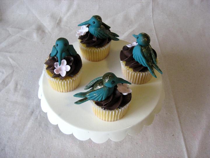 Hummingbird Cupcakes | Cakes I Dig | Pinterest