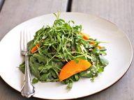 Салат из рукколы и абрикосов с козьим сыром и прошутто - фото рецепт кулинарного портала Oede.by