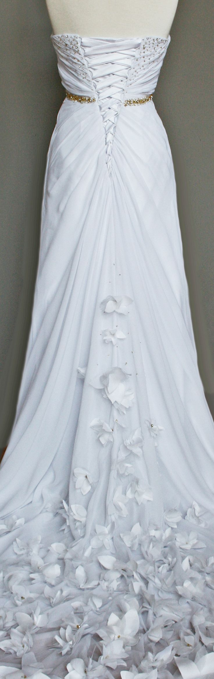 13 best wedding dress designs images on Pinterest | Homecoming ...