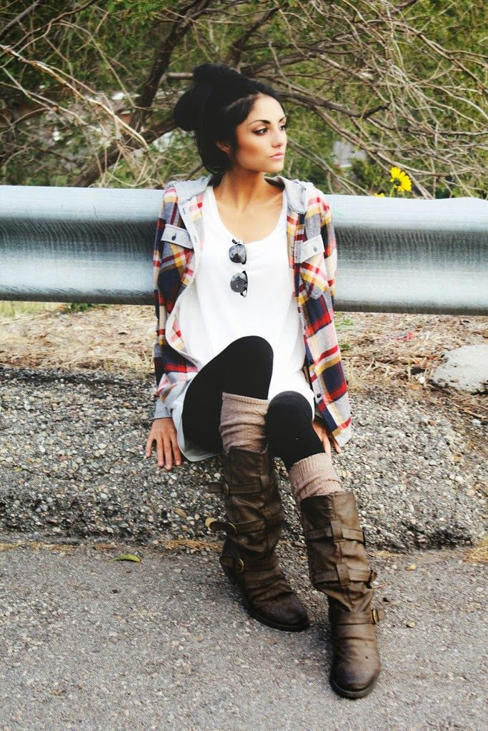 Adorable long pure leather boots and cardigan