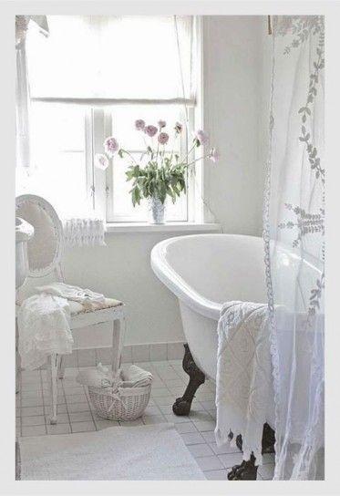 Vasca da bagno vintage - Vasca da bagno dal gusto retrò per arredare casa in modo originale.