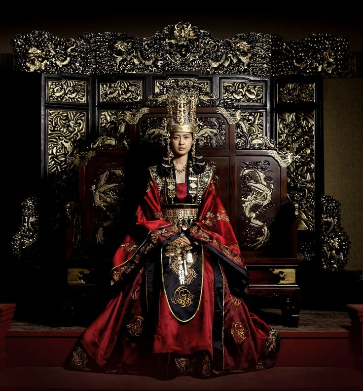 "Le Yo Won actrice who played ""The Great Queen Seon Deok"" aka Deokmon. Totally loved this #KDrama #Korean #CostumeDrama"