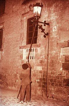 Els fanals de gas es van suprimir a Barcelona l'any 1964.