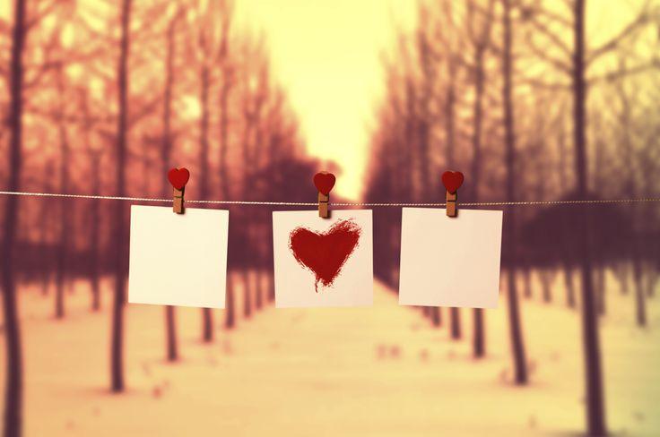 """""""Muita gente me pergunta como é ter um relacionamento aberto, como funciona, se dá certo, onde vivem, do que se alimentam. Sempre respondo uma coisa óbvia, mas ninguém parece entender. Cada relacionamento é diferente.No relacionamento aberto é a mesma coisa. Para mim, o principal é o respeito e a lealdade."""""""