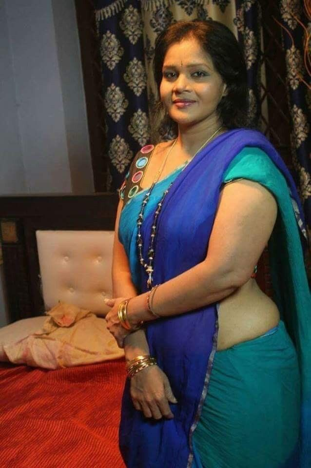 Pin By Neha Sharma  On Indian Aunties In Saree  Aunty