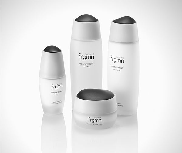 Woongjin Coway Cosmetics Naturalism by intenxiv Inc., via Behance
