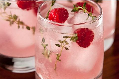 A luscious-looking and booze-free Peach Melba Cooler (get the recipe here!) Source: chow.com