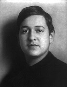 Erich Wolfgang Korngold (1897 - 1957) a Viennese composer born in Moravia (then in Austria-Hungary) and naturalized in United States in 1943... late Romantic compositional style was considered well out of vogue at the time he died,along with Max Steiner and Alfred Newman... considered one of the founders of film music.1938 Academy Award for his score to The Adventures of Robin Hood marked the first time an Oscar was awarded to the composer rather than the head of the studio music depart