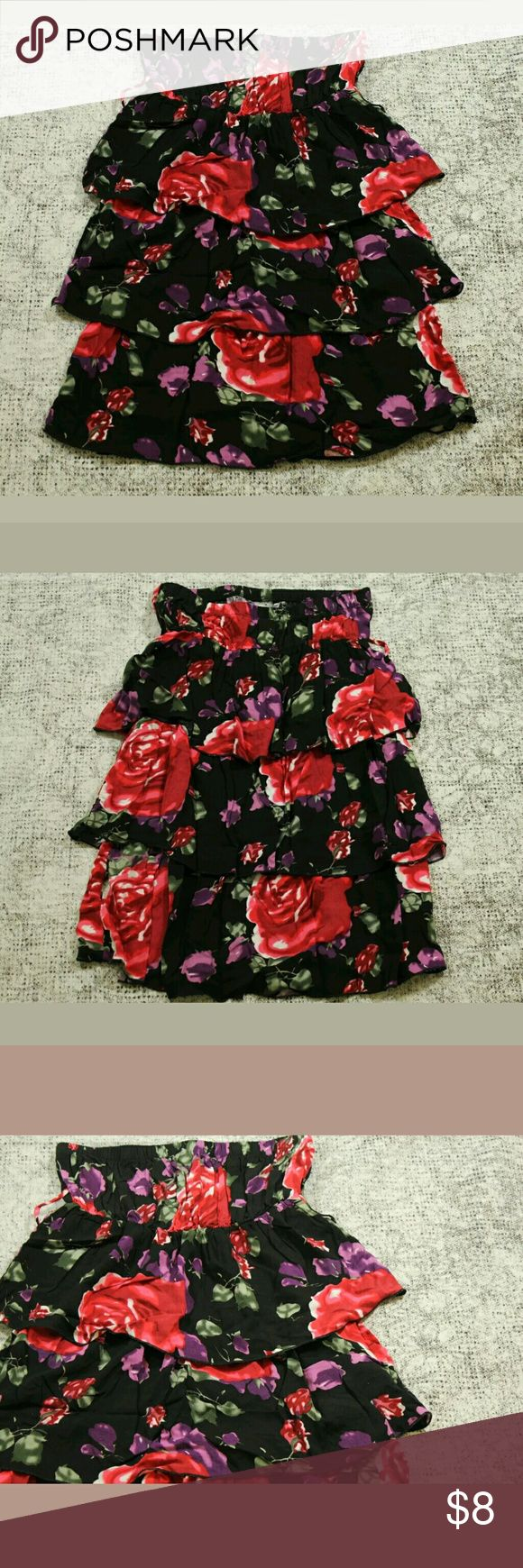 "Body Central Dress Size Small Floral Print No Belt Body Central Dress Size Small Floral Print Strapless Ruffled Tiered No Belt Size:  Small Condition:  Great Pre-Owned Condition from clean pet/smoke free home. Material:  100% Polyester  Measurements: Length: 23"" Bust (Pit to Pit): 12.5"" Body Central Dresses Strapless"
